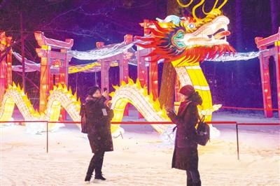 中国彩灯扮靓莫斯科冬夜