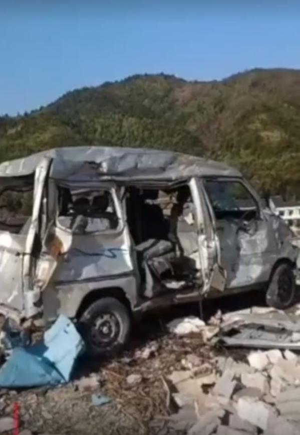 浏阳花炮厂爆炸:涉事企业疑谎报伤亡 3官员被免职