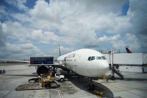 带回家做的兼职_本土乘客争夺战 美航空业者输给了这些外国公司