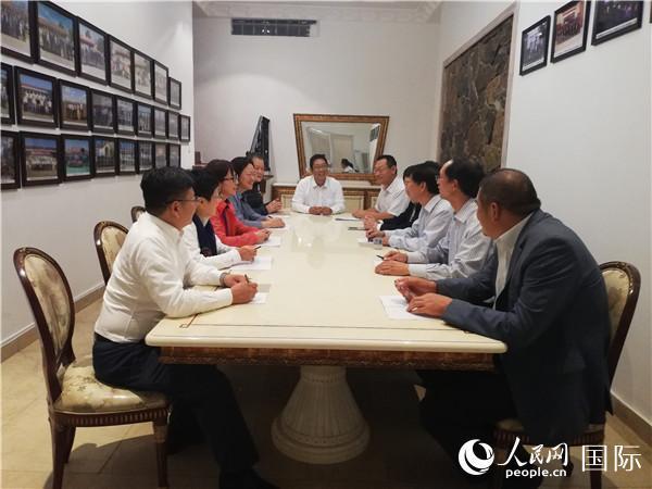 深圳市总工会访问团同驻南非中资企业代表进行工作交流