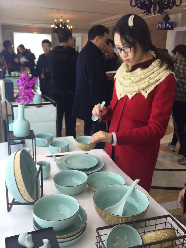 龙泉在杭州举行青瓷品鉴会