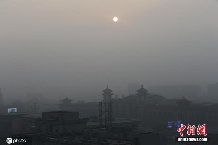 北京短时出现五级重度污染