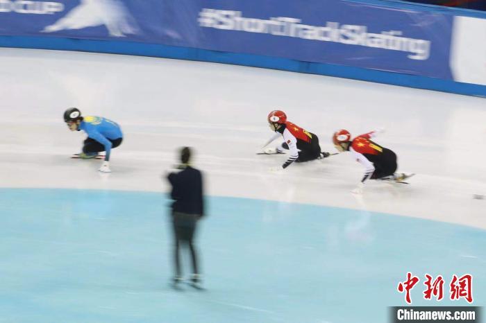 短道速滑世界杯上海站:武大靖带