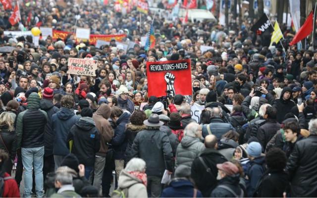 法国罢工游行影响民生 警方要求商家严防死守