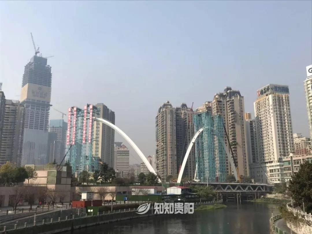 好消息!人民大道南段筑城广场大桥小拱圈顺利实现合拢