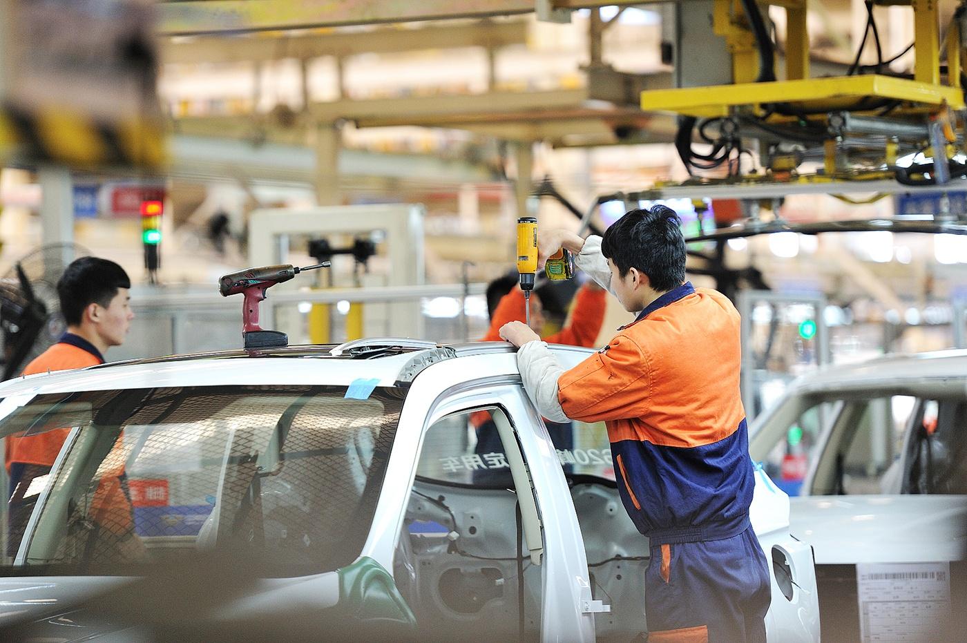车市周周评丨奔驰、奥迪宣布裁员,奇瑞混改落定,长安汽车丧失新能源子公司控制权