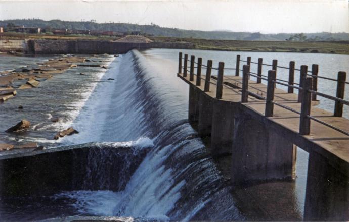 ▲原拦河坝