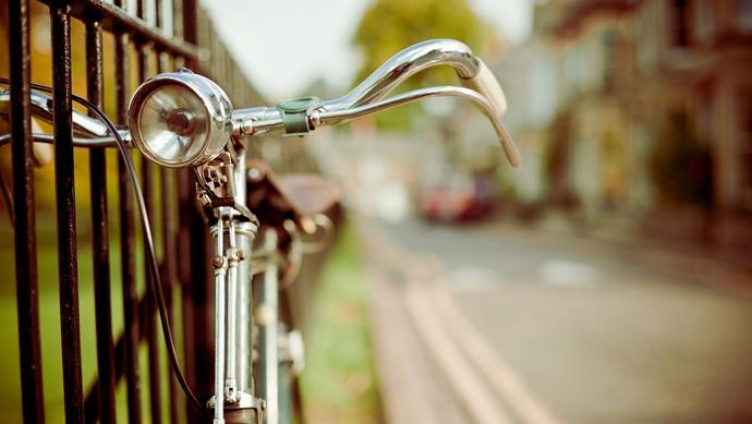 北京:未满16岁禁骑电动车上路,未满12岁禁骑自行车上路图片