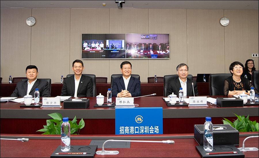 邓仁杰出席招商局港口与福建交通集团合作项目签约仪式