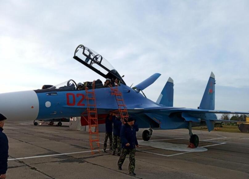 苏30系列最强版!白俄罗斯正式部署苏30SM战斗机