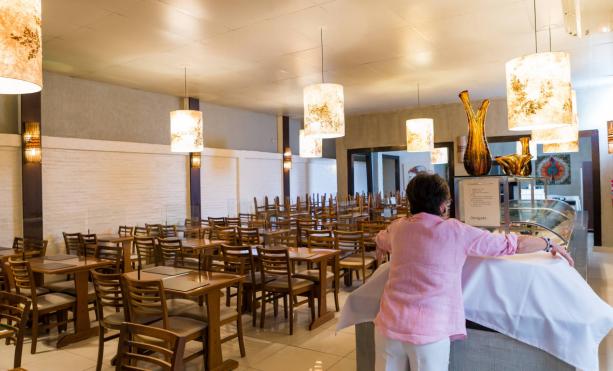 巴西:约20万家餐饮企业因新冠疫情影响出现经营困难