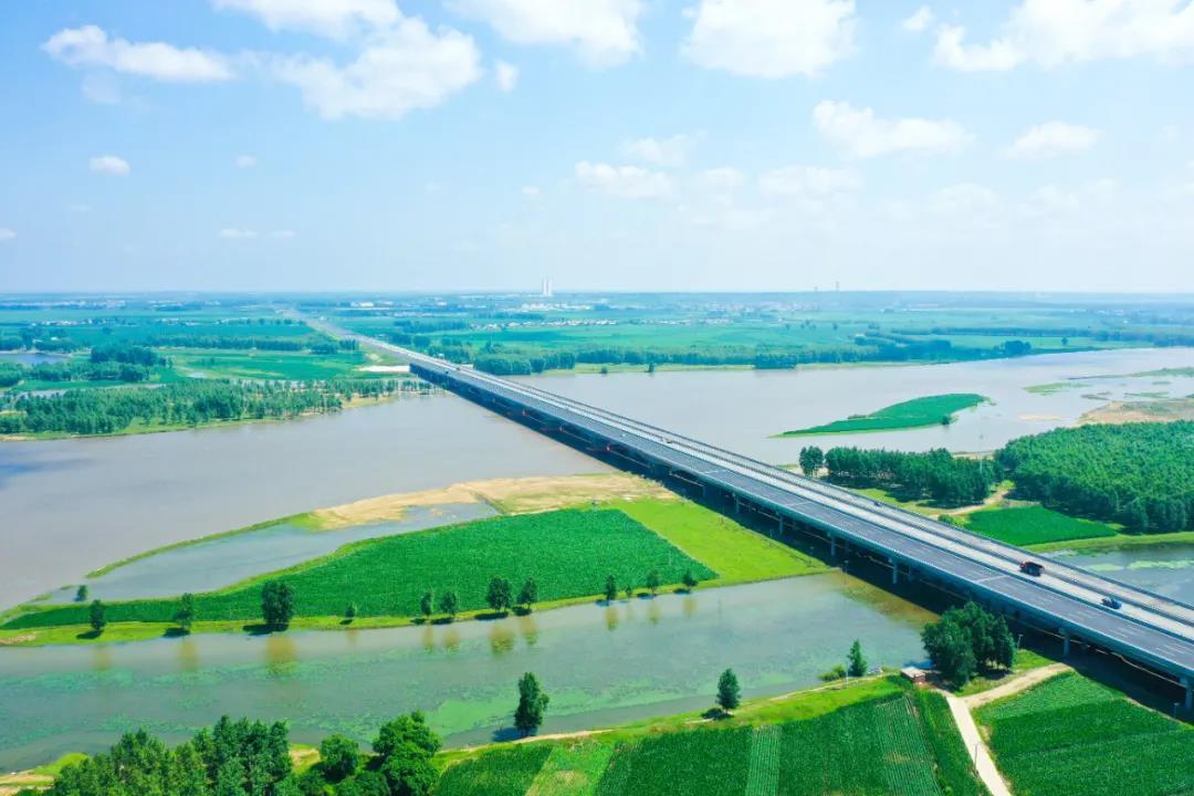 京哈高速长春至拉林河段改扩建项目建成通车图片