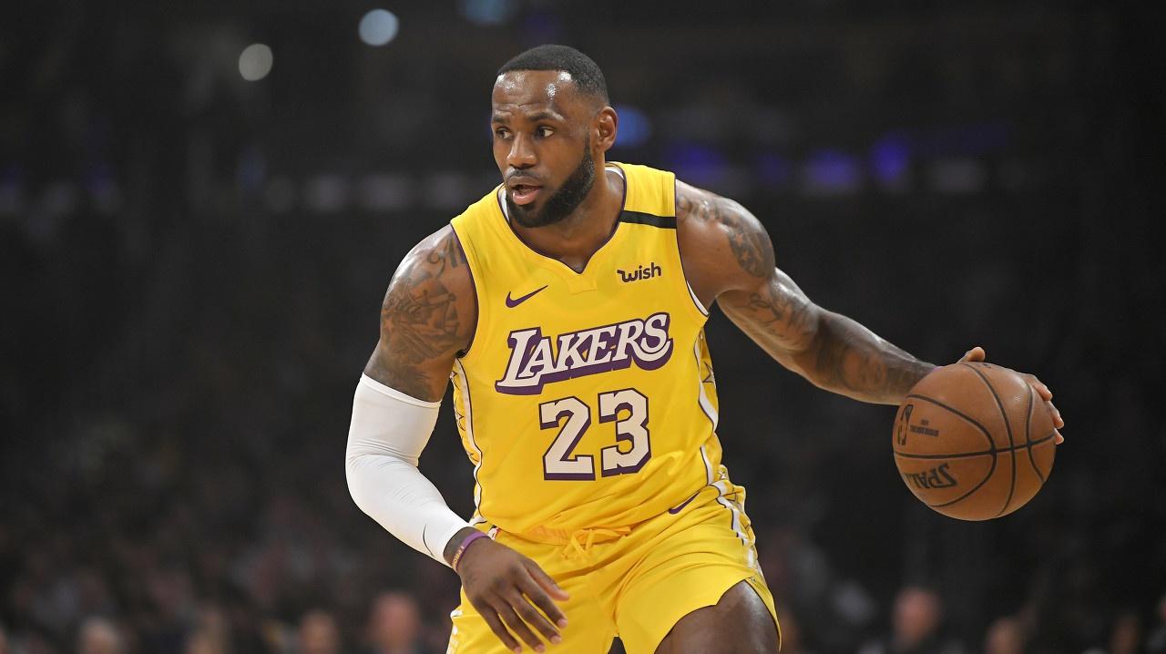 詹姆斯季后赛两双次数追平卡尔-马龙 并列NBA历史第六
