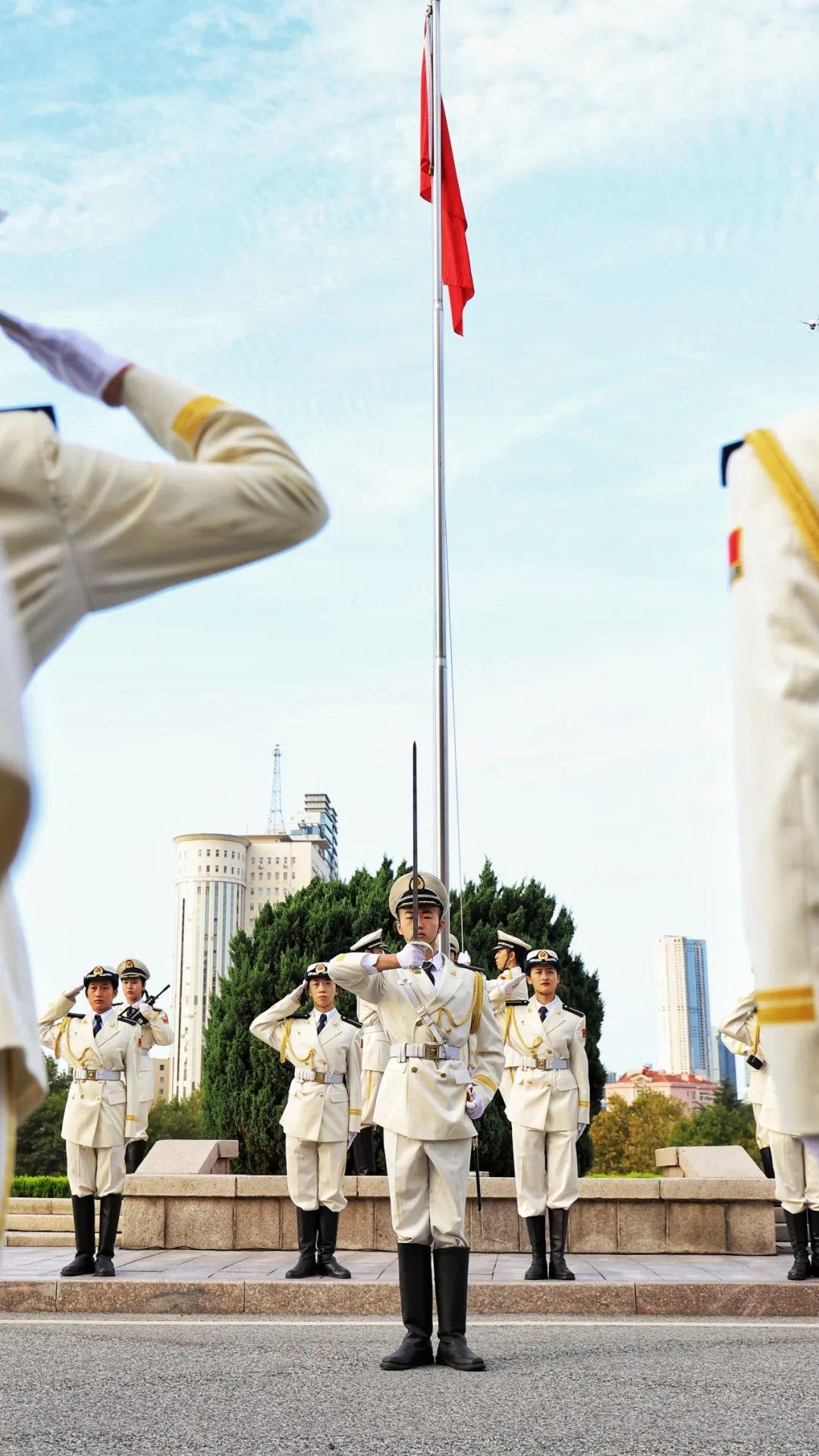 凝聚爱国情,追梦赤子心!青大人共庆祖国七十一华诞!图片
