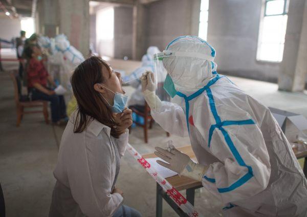 西班牙人点赞中国严格防疫:为进武汉15天内做了4次核酸检测图片