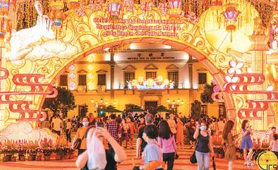 """""""十一""""黄金周游客逾15.6万人次 澳门旅游市场喜迎复苏"""