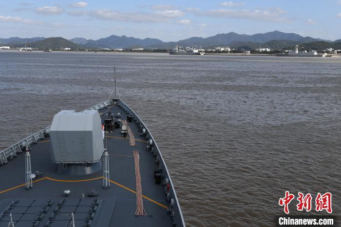 海军第35批护航编队完成任务凯旋图片