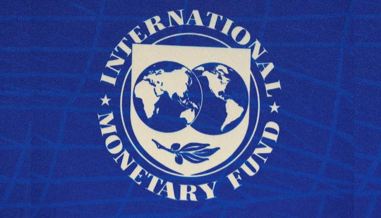 国际货币基金组织:预计印度本财年经济萎缩10.3%