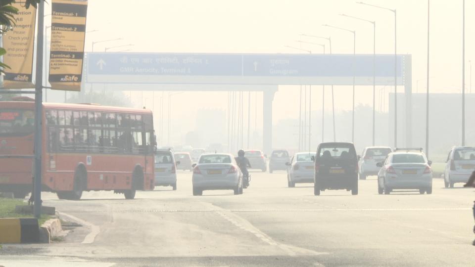 印度首都新德里空气质量跌入8个月最差(图)