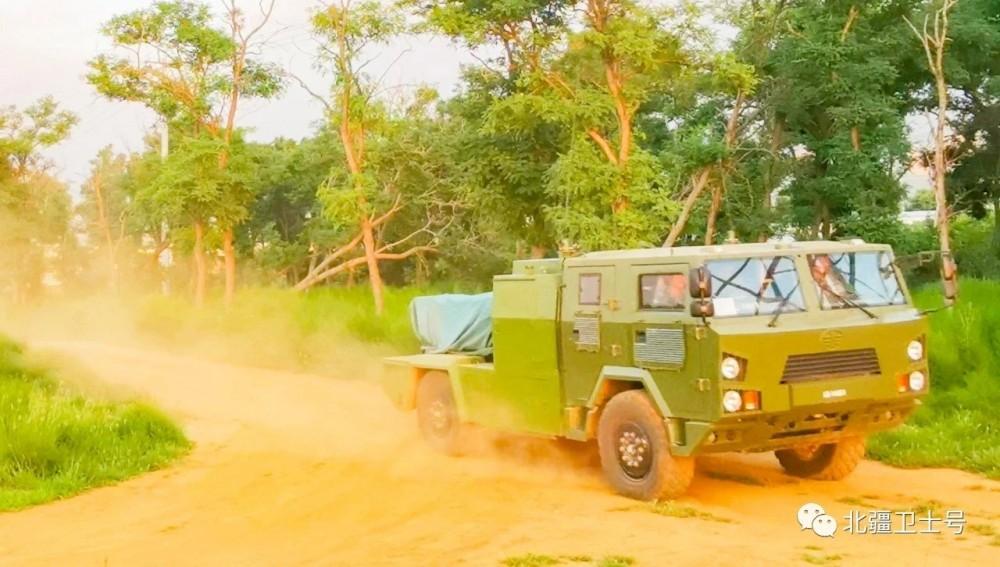 能轻松打爆印军T90:西藏军区卡车版红箭10震撼发射