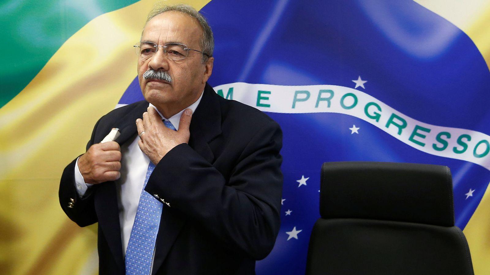 巴西贪官3万现金藏内裤:被当场识破 赃款为抗疫资金