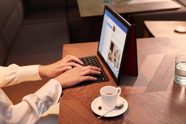 联想ThinkPad X1 Fold官宣!可折叠的笔记本10·22发