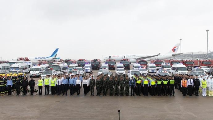 2架飞机3架直升机100多台救援车辆参加,浦东国际机场这场演练创历史纪录图片