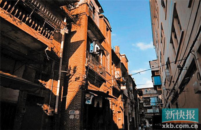 ■广州历史建筑昆仑三街10、12号正在申请修缮。