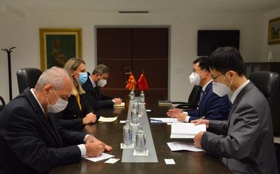 驻北马其顿大使张佐会见北马副外长伊萨基