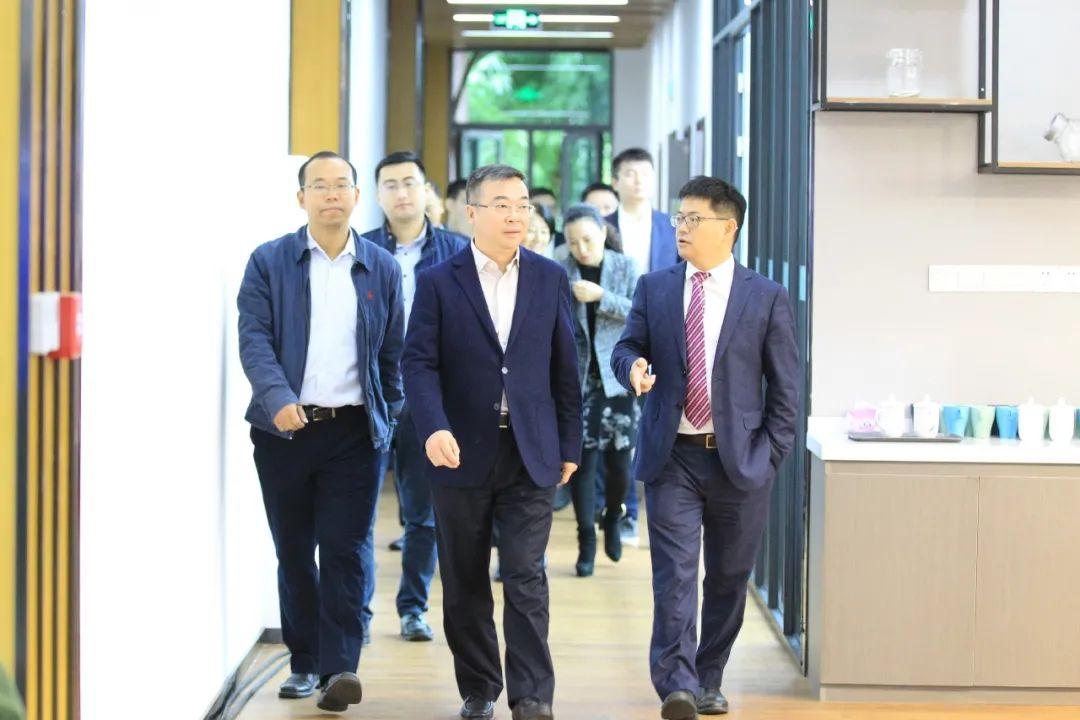 重医与高新区、Square One中国创新中心签署三方协议共建IVD医疗产业集群孵化与加速平台图片