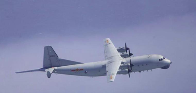 """绿媒:解放军军机在台""""西南空域""""内外""""双机作业"""" 美军机也在图片"""