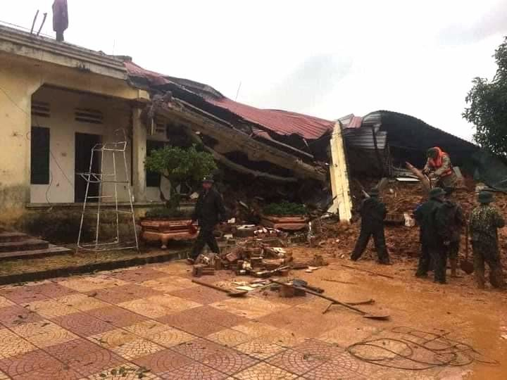 越南广治省一兵营遭遇塌方事故 已造成22人失联