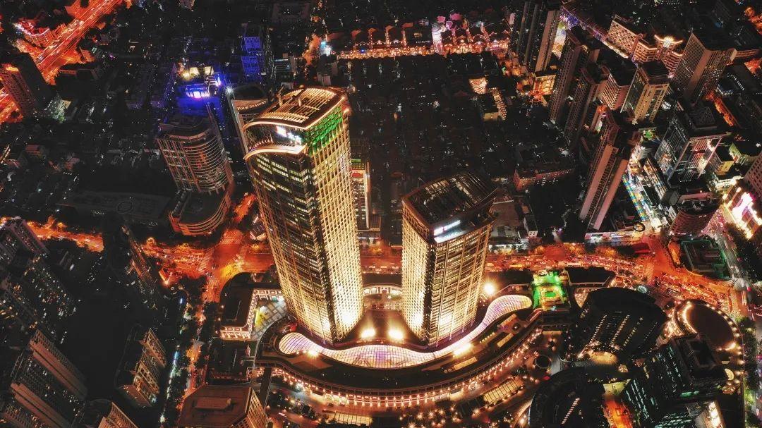 """探秘上海兴业太古汇,高端商业如何另辟蹊径与""""疫""""共存?"""