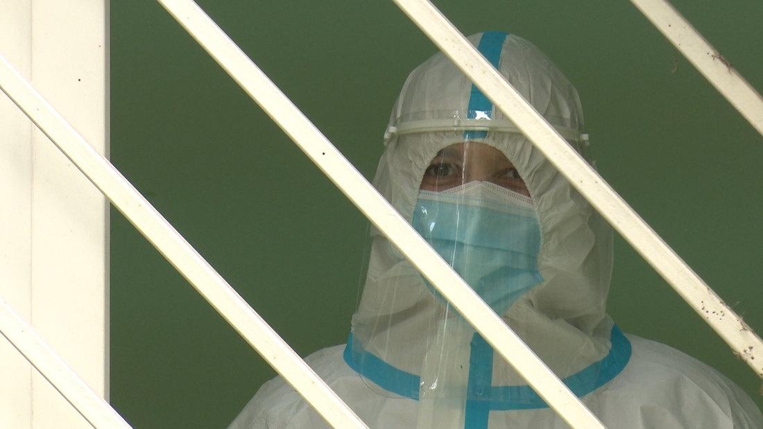斯洛文尼亚新冠肺炎确诊率超18% 开始采取宵禁措施