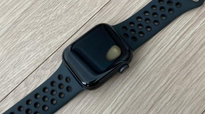 Apple Watch SE 韩国被曝过热问题 甚至有人手腕被烫伤