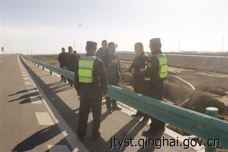 [青海]格尔木高速路政支队积极开展涉路施工监管工作(图)