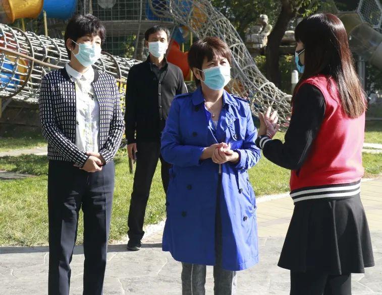 北京市学校德育研究会会长关国珍来我校调研图片