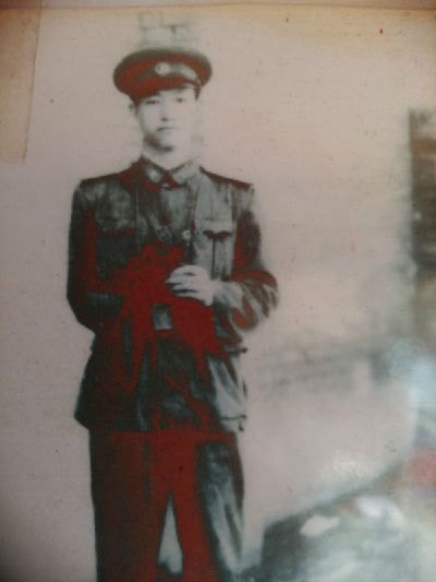 """志愿军老战士靳海芳:""""能穿军装一辈子就没白活!""""图片"""