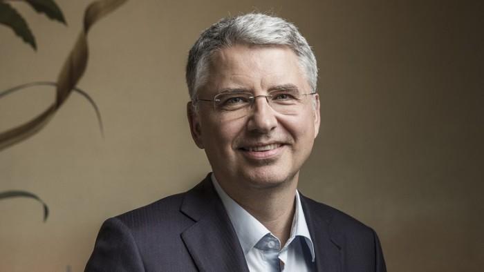 罗氏CEO加入泼冷水行列 警告不要指望新冠疫苗迅速问世