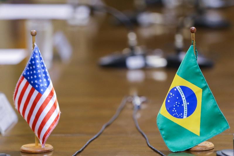 巴西美国签署《贸易和经济合作协议议定书》 涉及反腐败等方面