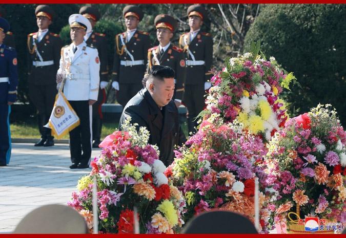 金正恩参谒中国人民志愿军烈士陵园(图)图片