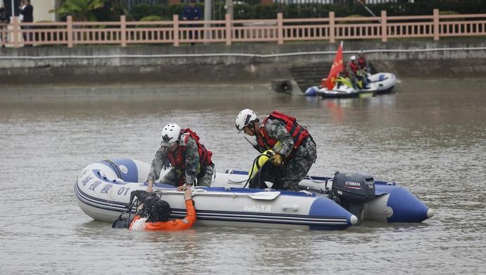 军地应急力量衔接共用试点成果如何?上海今天组织观摩了活动图片