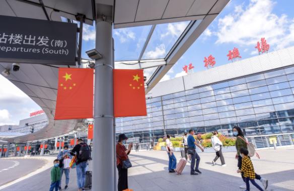 冬春航班开启!上海虹桥机场国内航班创新高 浦东机场航班恢复9成以上图片