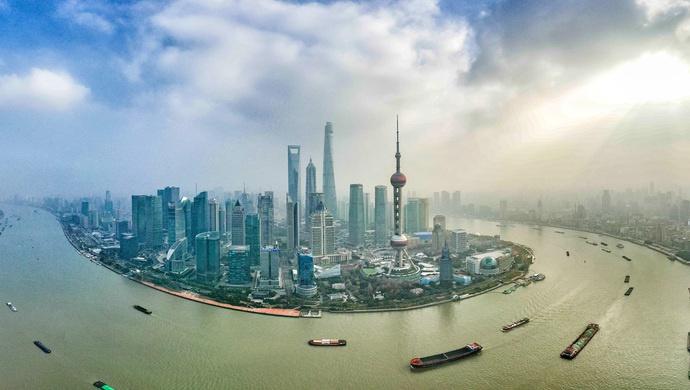 上海市政府向人大提交报告:去年沪国企资产9万亿元 负债5万亿元图片