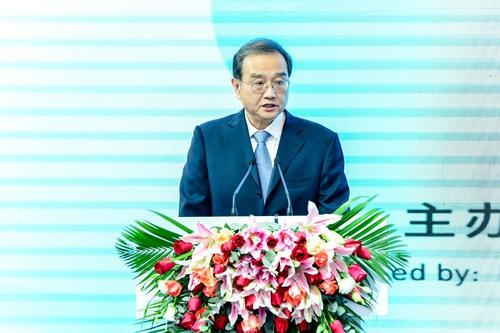 外交部部长助理邓励出席第五届中非青年大联欢开幕式