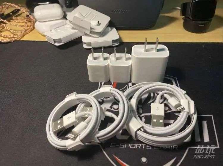 去掉耳机和充电器,以后数据线苹果也不会送了