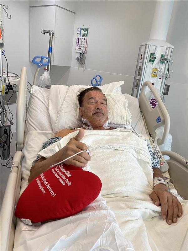 """""""终结者""""施瓦辛格展现超强一面引网友点赞 再次接受心脏手术恢复良好"""