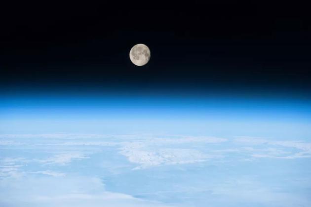 地球上的生命:我们可能要感谢月球现已不复存在的磁场