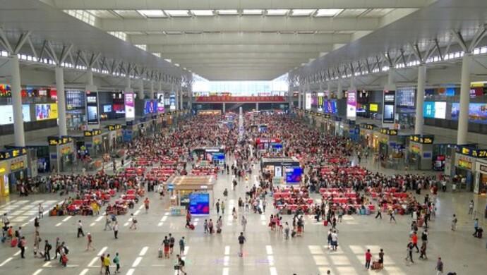 上海虹桥枢纽接近饱和,委员建议完善联通两大机场和苏浙皖的轨交建设图片
