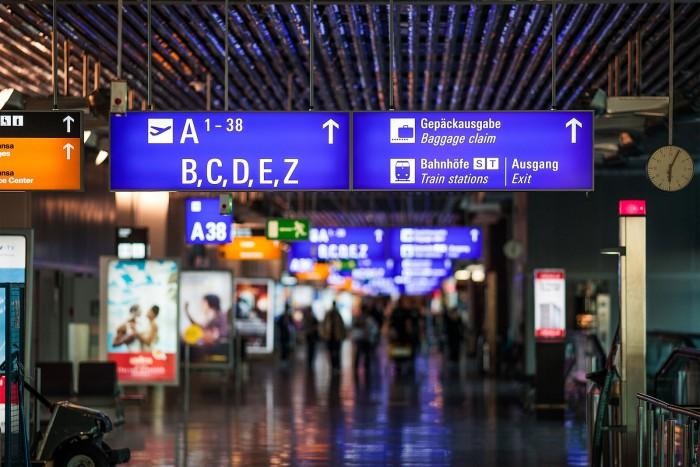 疫情重创航空业 近200个欧洲机场或在数月内破产